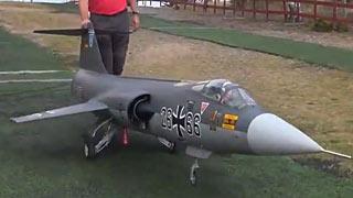 [JWM2017]瑞士队Fredy Doppelhofer和F-104的飞行比赛