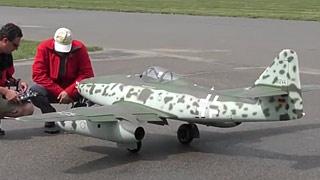 Me262涡喷模型飞机飞行表演