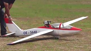 Jet FOX涡喷模型滑翔机飞行表演