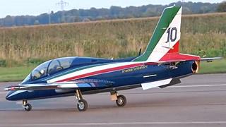 Aermacchi MB339涡喷模型飞机飞行表演