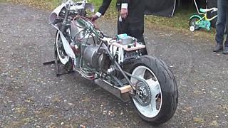 涡喷发动机摩托车首次试车